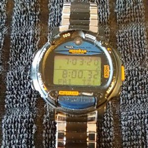 VINTAGE 1980'S MEN'S TIMEX IRONMAN SPORTS WATCH
